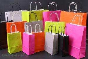 gekleurde-papieren-draagtassen