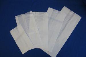 Witte papieren zakken